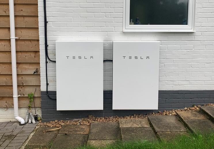 are solar batteries worth it