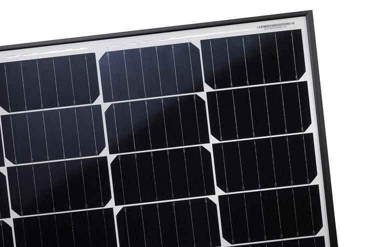 Half cell solar panels