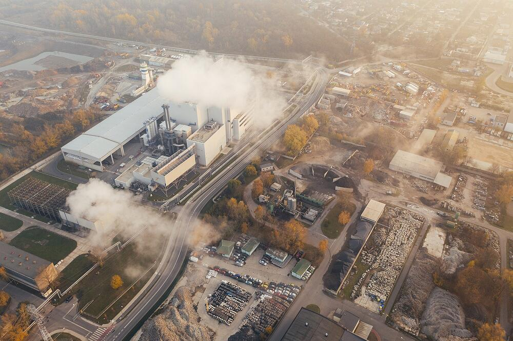 how can companies reduce carbon footprint